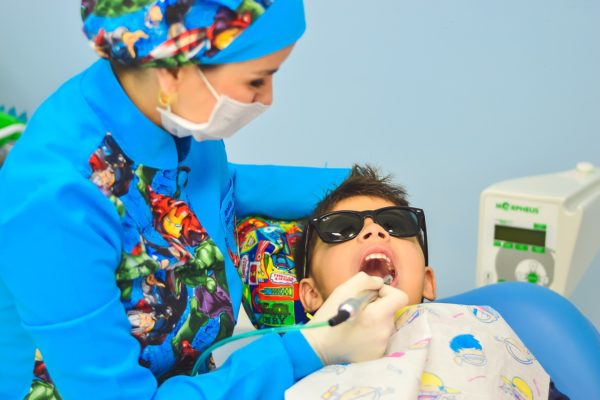 children-visiting-dentist